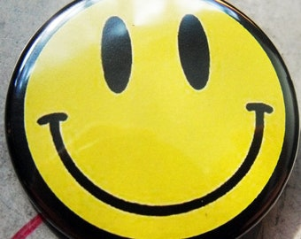 CLASSIC SMILEY    pinback buttons badges pack!