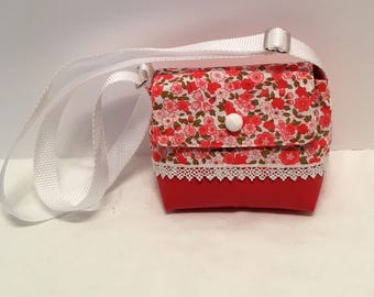 C31- Wee Bag: fresh red and pink flower pattern on a white background shoulder purse with adjustable handle