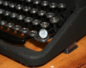 Antique Typewriter Key Pin (Gentleman)