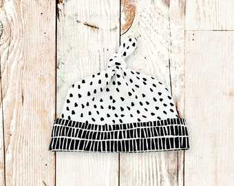 Baby Top Knot Hat (Black & White Dollop/Ladder) ||| baby shower gift, newborn hat, newborn take home outfit, baby jersey hat, knotted hat