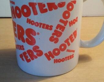 Hooters restaurant coffee cup mug unused