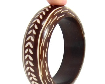 Thick Carved Ivory Brown Chunky Bangle Bracelet Tribal Deep Carved Design Lucite Plastic Statement Estate Vintage Jewelry Boho Bohemian
