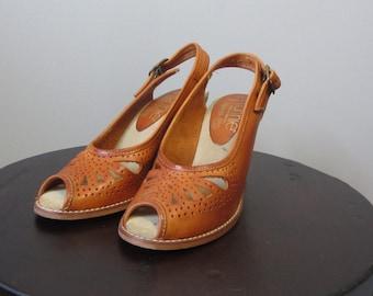 1970s cognac leather peep toe wedge sandals | 70's Boho Hippie