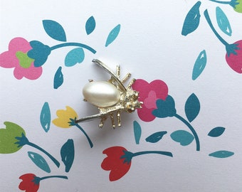 Cute Vintage Flying insect pin