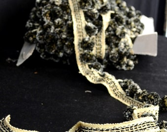 BR10157 Tuxedo Black Off White Ball Fringe Fabric Trim