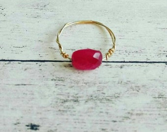 Ring with a hot pink semi precious stone / sillimanite tinted /Les Zelina jewelry