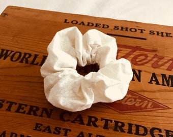 Small patterned white scrunchie