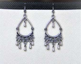 Earrings with pendant chandelier and drops