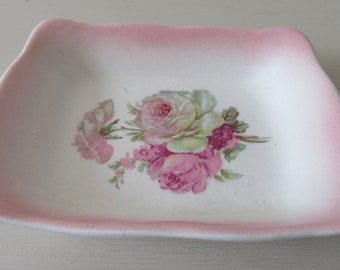 Vintage Gift. James Kent Victoria Rose Pin Dish. Tiny James Kent Pink and White Roses Pin Dish. 1950 James Kent Old Foley. Shabby Chic.