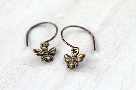 Dangling bee earrings bird brass cute lovely