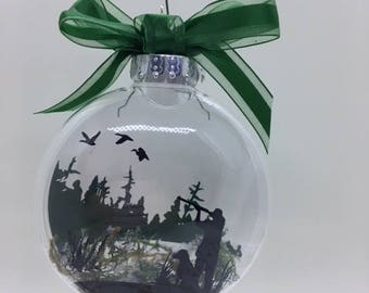 Floating Ornament Duck Hunting scene with Labrador - Duck Hunter