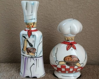 Chefs, salt and pepper shakers, ceramic, vintage, used