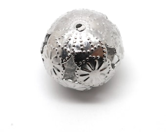 Large round floral bead with silver color