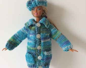 Shades of blue sweater and beret for Barbie. OOAK hand knitted hat and cat for 12 inch fashion doll. Barbie winter clothes.