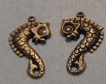 LuxeOrnaments Oxidized Brass Stamping Sea Horse Pendant (2 pcs) 29x16mm F-9031-B