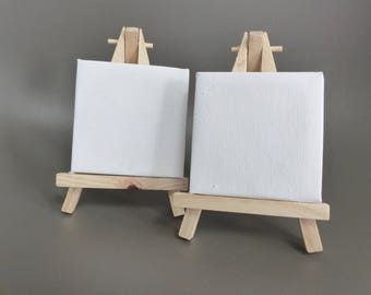 2 mini canvas on easel to decorate with paint
