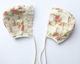 Reversible Baby girl bonnet, baby hat , cotton baby bonnet . Floral baby bonnet. Vintage baby bonnet