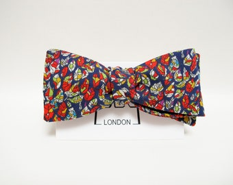 New Spring & Summer Accessories - Colourful leaves print freestyle bow tie