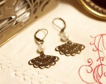 rose fan earrings, Art Deco earrings, Art Nouveau, Modernism, Jugendstil, glass pearl,  elegant, bronze
