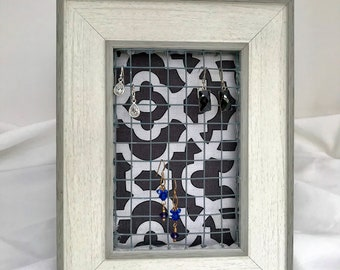 Grey and White earring holder, Earring Display, Earring Organizer, earring stand, Table Top Earring Stand, Jewelry Display