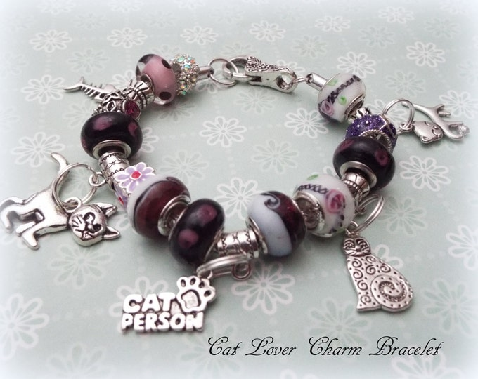 Cat Lover Charm Bracelet, Gift for Cat Lover, Jewelry for Her, Women's Jewelry, Murano Glass Beaded Bracelet, Gift for Her, Animal Lover