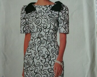Misses Misses Petite Dress Sizes 18-20-22 See & Sew by Butterick Pattern 5883 Vintage 1991 UNCUT Pattern Rated Very EASY to Sew