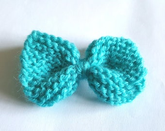 Knit turquoise brooch