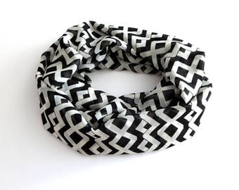 Scarf Women Infinity Scarf / Womens Fall Scarf / Womens Scarf / Black and White Scarf / Print Scarf / Scarves Lightweight Scarf / Long Scarf