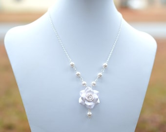 White Rose Necklace, white Flower necklace, White Bridesmaid Necklace, white Wedding Jewelry, white bridal necklace