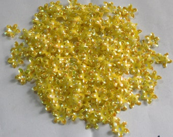 100 Yellow color/Glossy Flower sequins/3D shape/KBSF674