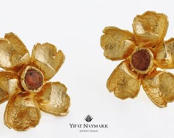 Classic Gold Flower Stud Earrings, Big Flower Stud Earrings, Gold Flower Post Earrings, Blue Stud Earrings,Bridal Jewelry,