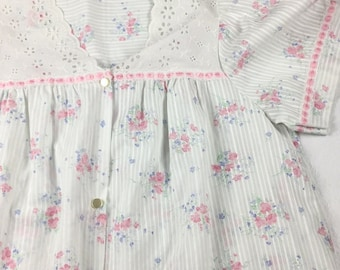 Vintage Sears Robe Flowers Lace Ribbons Snap Buttons