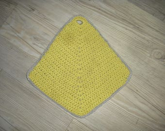 kitchen pot holder crocheted in cotton, two-tone, a grey face and a green pistachio to match to your