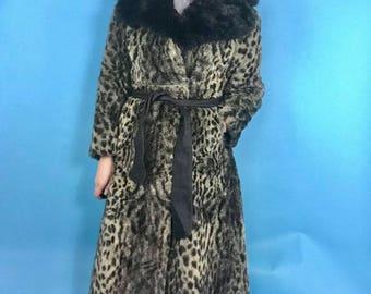 Vintage 1960s Faux Fur Leopard Print Coat 12