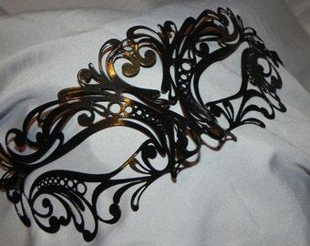 Carnival Metallic Masquerade Mask