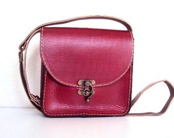 Red Messenger Bag ,Medium Size ,Shoulder Bag ,for her ,women ,100% handmade ,gift idea ,christmas gift