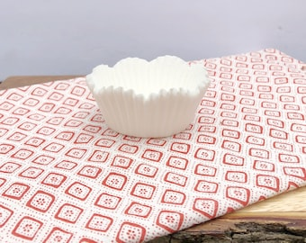 Pure White Petal Cup,Cupcake Liner, Cupcake Papers, Cupcakes, Cupcake Supplies, Baking Supply, Scalloped Edge, Cupcake Wrapper