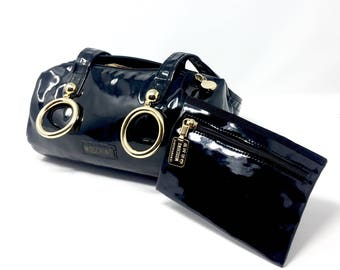 Moschino vintage black patent leather bag with matching pouch and large metal rings Moschino/Moschino symbols Redwall