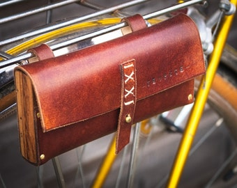 wood and leather saddlebag . Full grain leather and beech wood.
