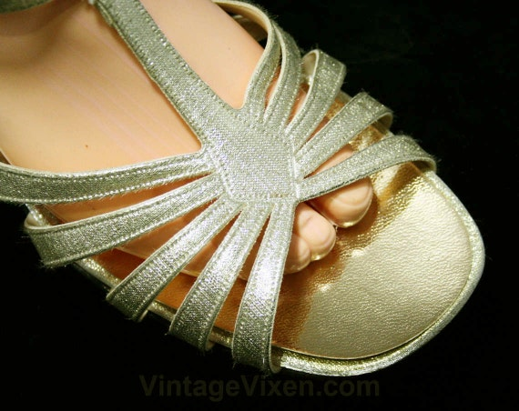 Sandals T Strap Shoes 8 Pump Size 11 Glam Evening 8M 44531 1960s Cocktail NOS Open Sparkling Deadstock Gold Toe 60s Metallic qtxPACw