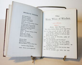 Merry Wives Of Winsor Hardback Red William Shakespeare 1916 Vintage pocket book English Literature Classic books