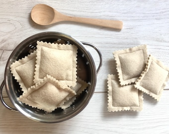 Pretend Play Felt Food Pasta Ravioli Parcels with Packaging Gift Box
