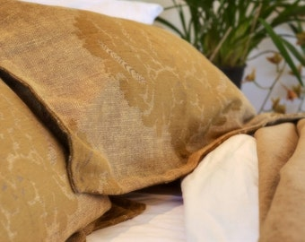 Luxurious linen, lined with bronze linen velvet bedspread bedcover