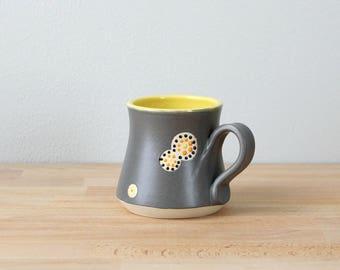Steinzeug Kaffee Tasse, Keramik Kaffee Becher, Teetasse, gelb, handgemachte Becher, moderne Trinkbehälter, Keramik-Becher, bunte Kaffeetasse von Nstarstudio