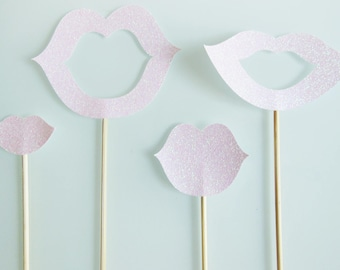 4 skewers mouths pink sequined photobooth for wedding or anniversary