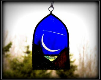 Shooting Star over Crescent Moon - Cathedral Arch - Hand Etched Stained Glass