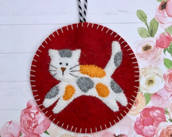 Wool Felt Calico Cat Ornament, Kitty, Kitten, Hanging Decoration, Hanging Ornament, Applique, Handmade.