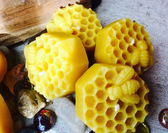 Set of 3 Pure Beeswax Honeycomb w/honeybee Floating Extra large votives. Natural Honey or Heilala Vanilla scented