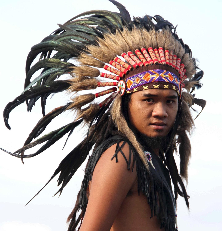 penacho de plumas naturales estilo Indio corto inspirado