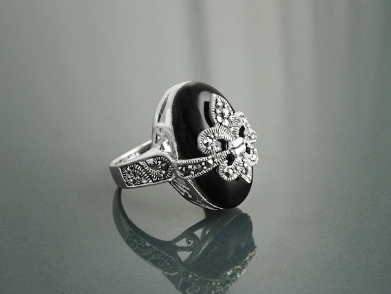 Fleur de Lys Ring, Silver 925, Marcasite Ring, Real Black Onyx, French Vintage Jewelry, Lis Petals Symbol of Purity, Innocence and Virginity